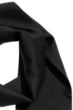 Narrow silk scarf - Black - Men | H&M CN 2