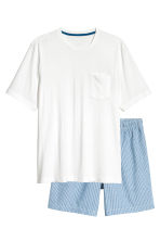 Pyjama shorts and T-shirt - White/Blue striped - Men | H&M 1