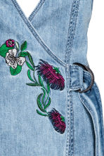 Denim dress - Denim blue/Embroidery - Ladies | H&M 5