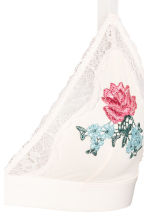 Embroidered triangle bra - White/Embroidery - Ladies | H&M CN 3