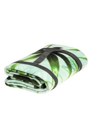 Picnic blanket - Mint green/Palm leaf - Home All | H&M CN 1
