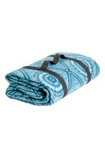 Patterned picnic blanket - Turquoise - Home All | H&M CA 1