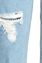 Mom Jeans Trashed - Light denim blue - Ladies | H&M CN 4
