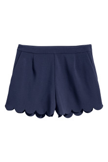 Shorts with scalloped hems