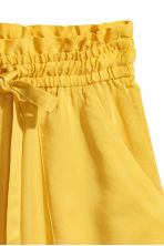 Lyocell shorts - Yellow - Ladies | H&M 3