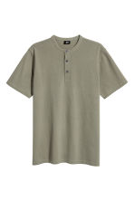 T-shirt with buttons - Khaki green - Men | H&M 2