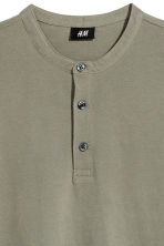 T-shirt with buttons - Khaki green - Men | H&M 3