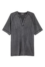V-neck T-shirt - Black washed out - Men | H&M 2