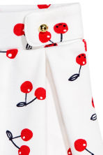 Pleated jersey skirt - White/Cherry -  | H&M CN 3
