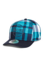 Cotton cap with an appliqué - Turquoise/Checked - Kids | H&M CN 1