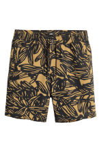 Knee-length cotton shorts - Camel/Patterned - Men | H&M CA 2