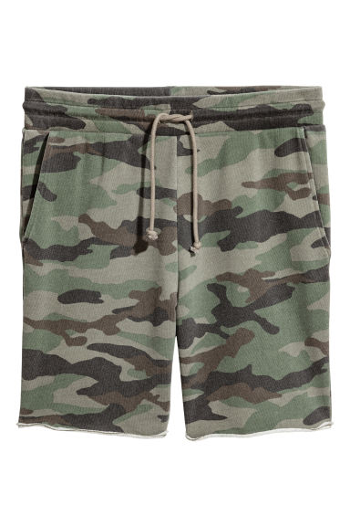 Patterned sweatshirt shorts - Khaki green - Men | H&M
