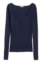 Silk-blend V-neck jumper - Dark blue - Ladies | H&M 2