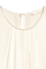 Sleeveless blouse - Natural white - Ladies | H&M 3