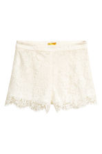Lace shorts - Natural white - Ladies | H&M 2