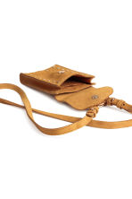 Suede mobile phone bag - Camel - Ladies | H&M 5