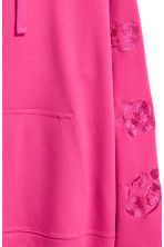 Hooded top with embroidery - Cerise - Men | H&M 3