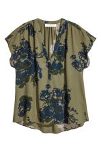 V-neck blouse - Khaki green /Floral - Ladies | H&M CN 2