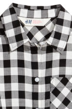 Generous fit Tie-front blouse - Black/White/Checked - Kids | H&M CN 2