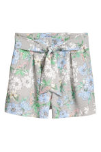 Smart shorts - White/Floral - Ladies | H&M CN 2