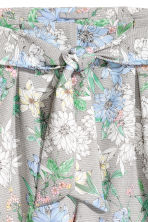 Smart shorts - White/Floral - Ladies | H&M CN 3