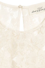 Top in pizzo e volant - Bianco naturale -  | H&M IT 3