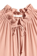 Sleeveless frilled blouse - Powder pink - Ladies | H&M 3
