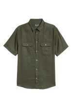 Short-sleeved linen shirt - Dark khaki green - Men | H&M CN 2