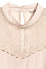Blouse with a lace yoke - Powder -  | H&M 3