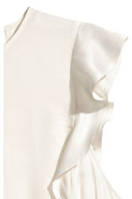 Sleeveless frilled blouse - Natural white - Ladies | H&M 3