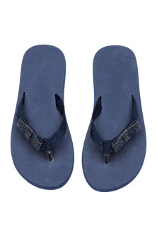 Flip-flops with appliqué