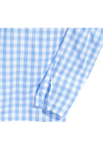 Frilled blouse - Light blue/Checked -  | H&M CN 3