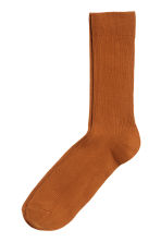 Ribbed socks - Dark orange - Men | H&M 1
