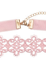 Lace choker - Light pink - Ladies | H&M 3