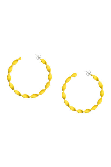 Twisted hoop earrings - Yellow - Ladies | H&M CN 1