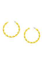 Twisted hoop earrings - Yellow - Ladies | H&M 1