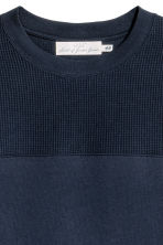Textured sweatshirt - Dark blue - Men | H&M CN 3