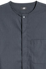Collarless shirt Regular fit - Anthracite grey - Men | H&M 3