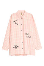 Oversized shirt - Powder pink/Checked - Ladies | H&M CN 2