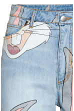Mom Jeans - Light denim blue/Looney Tunes - Ladies | H&M CN 4