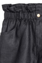 Short linen shorts - Black - Ladies | H&M CN 4