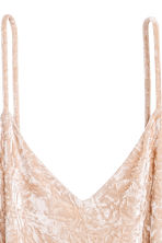 Crushed velvet dress - Light beige -  | H&M 3