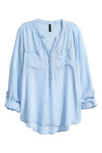 V-neck blouse - Light blue - Ladies | H&M CN 2