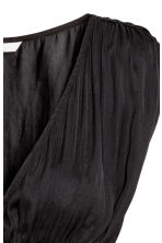 V-neck satin top - Black - Ladies | H&M 3