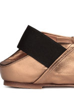 Slip-on leather loafers - Gold - Ladies | H&M 4