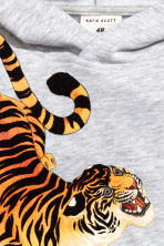 Printed hooded top - Light grey/Tiger - Kids | H&M 4