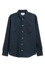 Camicia in lino - Blu scuro - UOMO | H&M IT 2