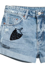 Embroidered denim shorts - Light denim blue - Ladies | H&M CN 4