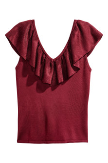 Fine-knit top with a flounce