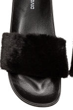 Faux fur slides - Black - Ladies | H&M CN 4